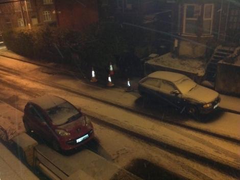 A snowy eve on Strandview street