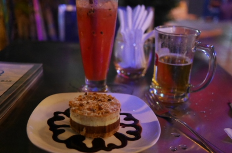 My last evening in Phnom Penh was spent in style - $2 cocktail, $0.75 beer, and dessert